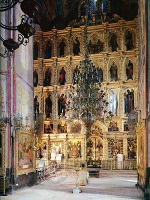 Паломничество - Иконостас в Успенском соборе.jpg