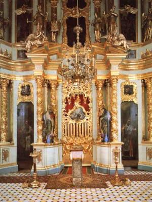 Паломничество - Иконостас церкви Смоленской иконы Божией Матери.jpg